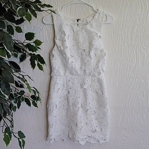 ASTR White embroidered lace dress sleeveless med